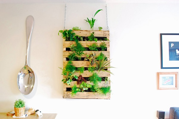 25. DIY Pallet Living Wall