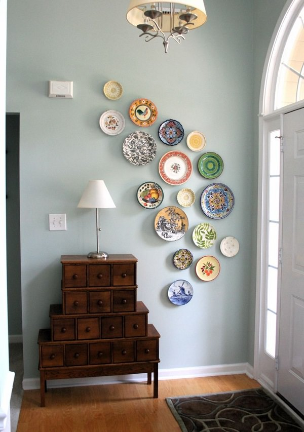 35. DIY Plates Wall Arrangement