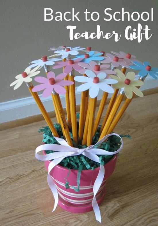 diy pencil decorations 12 pencil craft ideas and uses cradiori