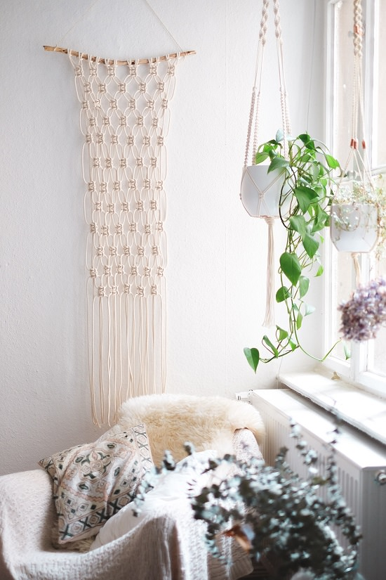 Super Easy DIY Macrame Wall Hanging