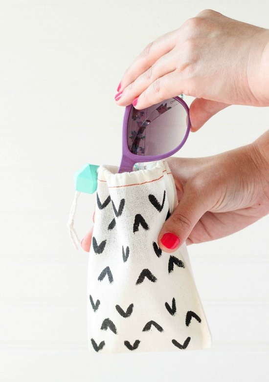 DIY Sunglass Case Ideas 19
