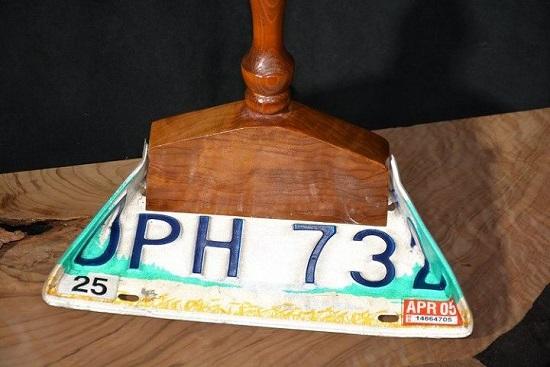 License Plate Dustpan