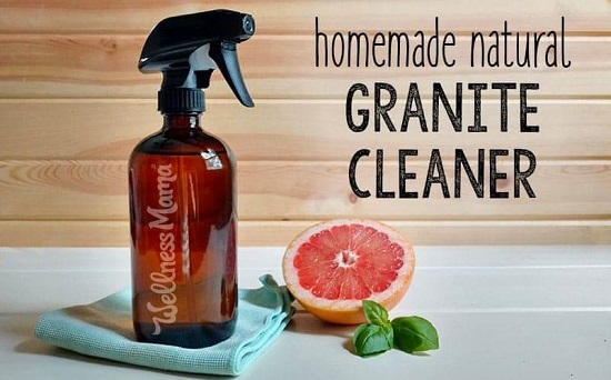 Cleaner Spray With Grapefruit Essential Oil