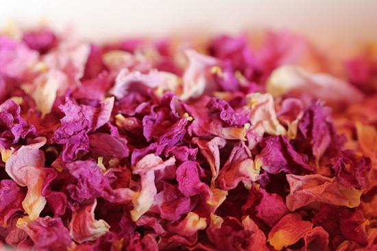 What to do with dried roses1