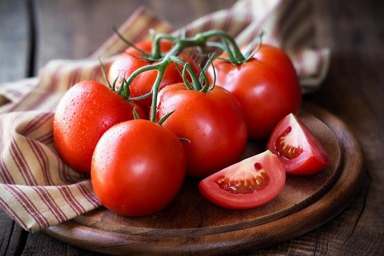 Benefits of Tomato on The Face Overnight1