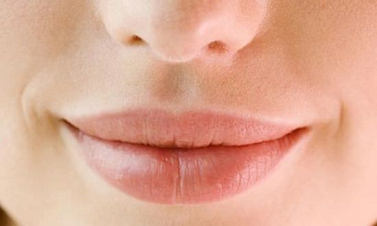Does Castor Oil Make Your Lips Bigger