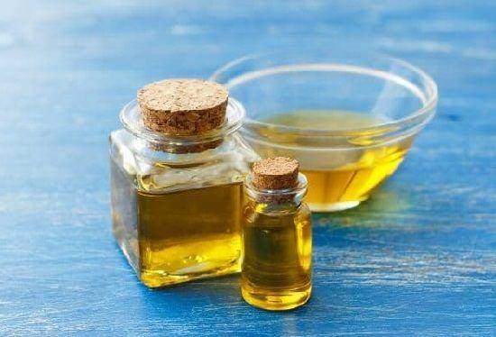 Is Castor Oil Comedogenic2