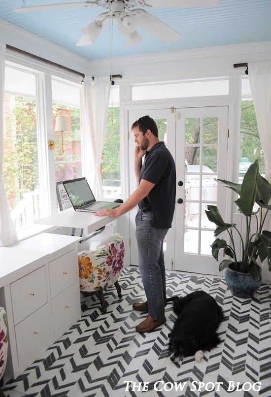 Use Transforming Desks