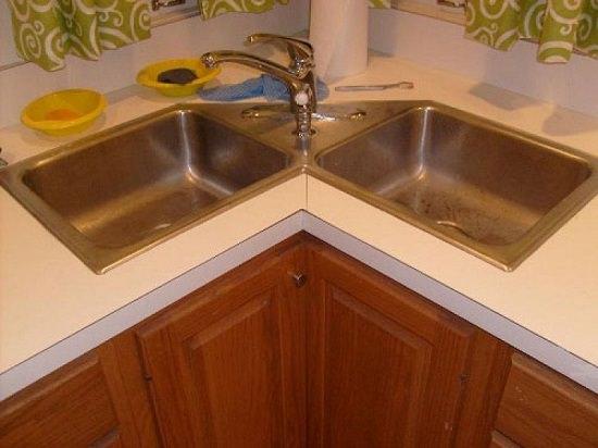 Corner Kitchen Sink Ideas3