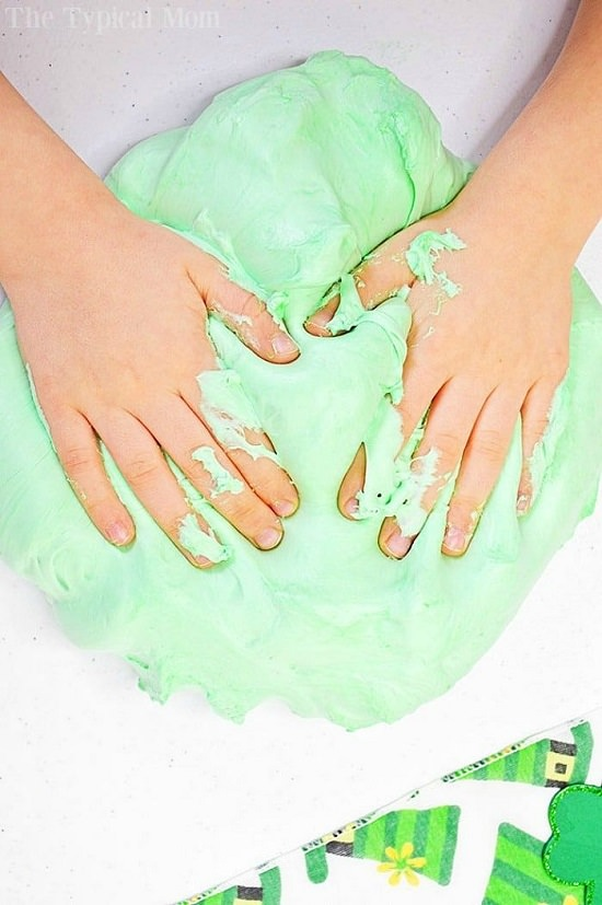 How to Make Slime with Shaving Cream1