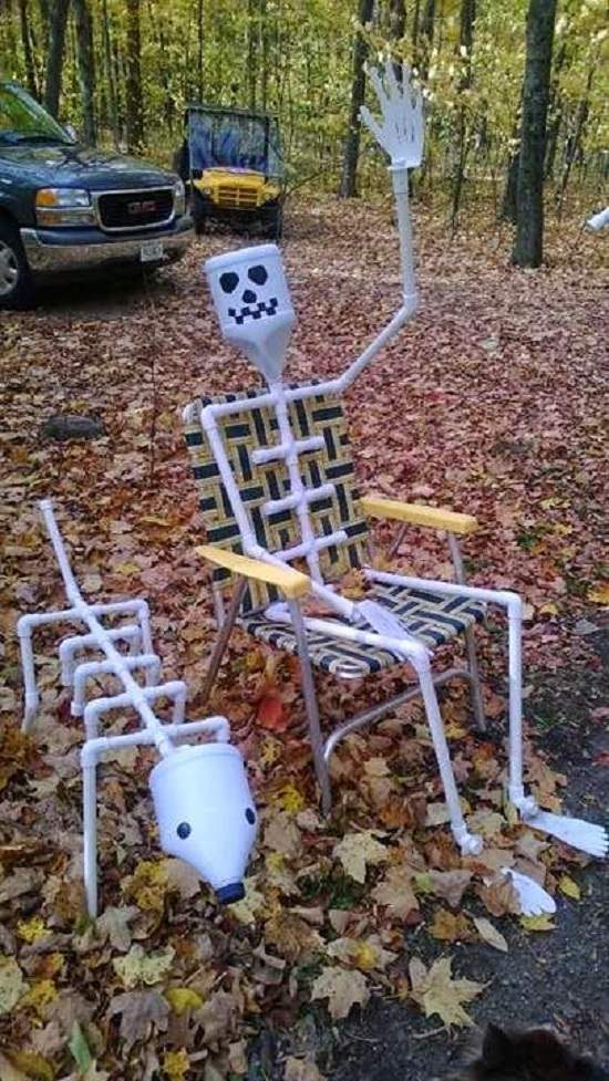 Ghost in Relaxing Chairs