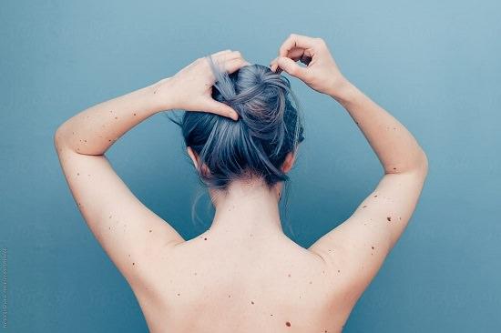Castor Oil for Low Porosity Hair3