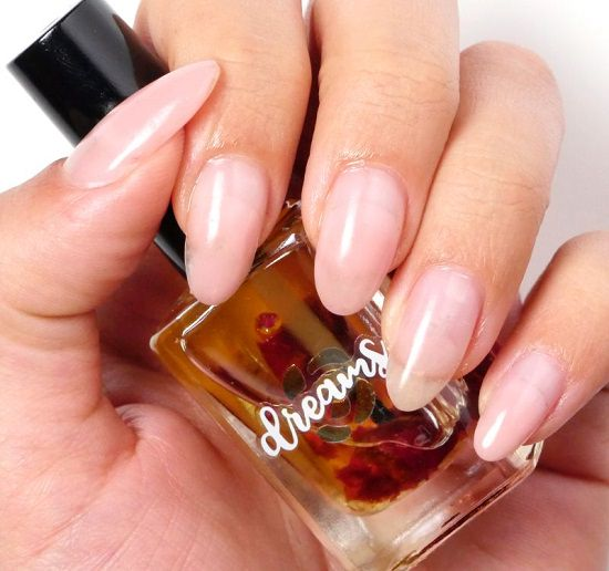 DIY Cuticle Oil with Flowers1